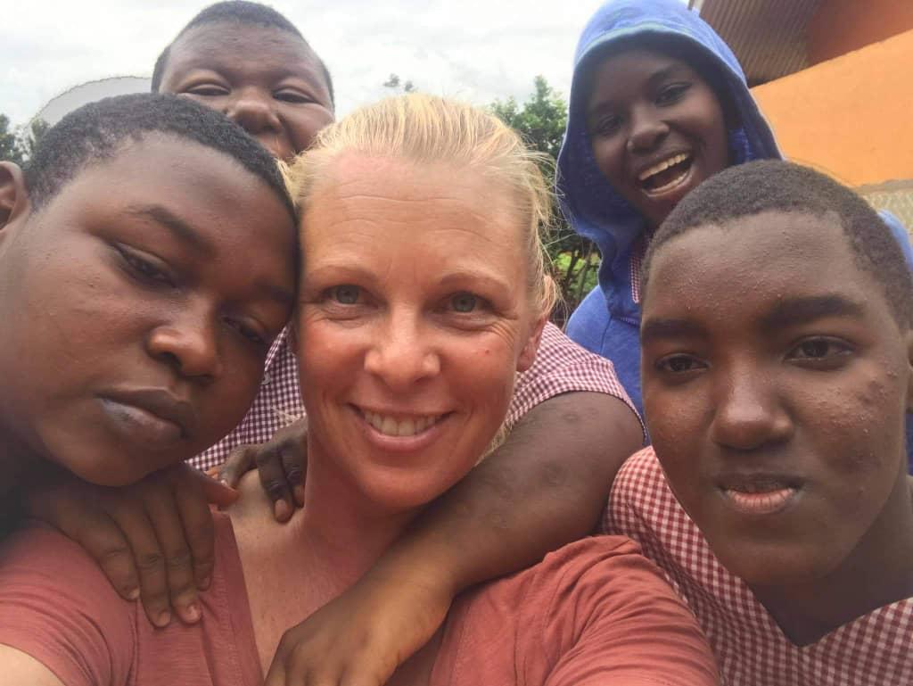 Children and volunteers 5